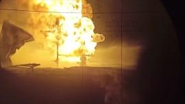 Binh sĩ Nga nã pháo dập tắt hỏa hoạn ở giếng dầu