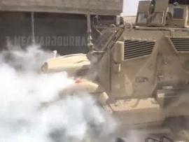 Xe quân sự Mỹ bốc khói sau khi cố vượt chốt binh lính Nga tại Syria