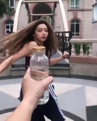 video hotgirl nha chuong mon vinh xuan nam anh da nap chai gay sot mxh