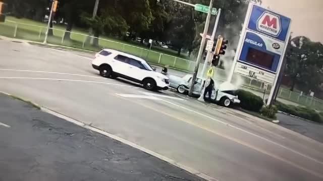 video phong xe toc do cao bo chay ten cuop o to nhan cai ket dang