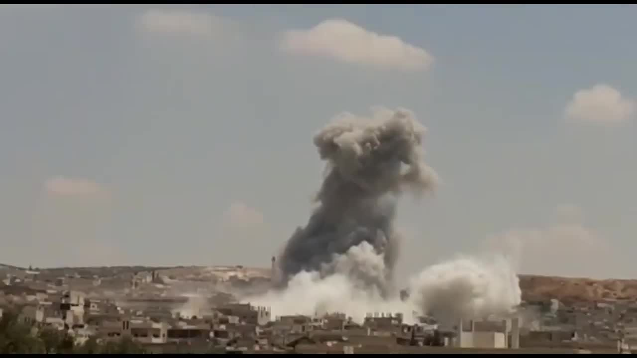 video khoanh khac nga doi mua bom huy diet doan xe phien quan o syria