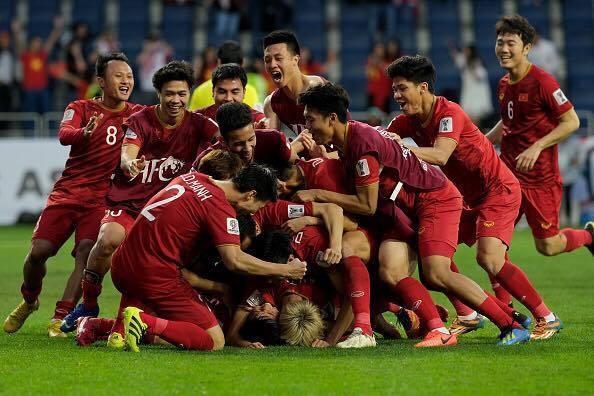tuyen viet nam o vong loai world cup 2022 nhi bang chua chac di tiep