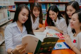 Nhiều trường ở TP. HCM đang tổ chức thu tiền ôn tập của học sinh lớp 12 thi THPT 2020?