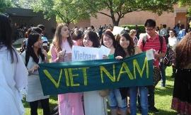 ĐSQ Việt Nam tại Mỹ khuyến cáo 24.000 du học sinh có thể bị trục xuất vì học online