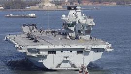 """Tàu sân bay trị giá gần 4 tỉ USD của Anh khiến Trung Quốc """"e dè"""" có uy lực thế nào?"""