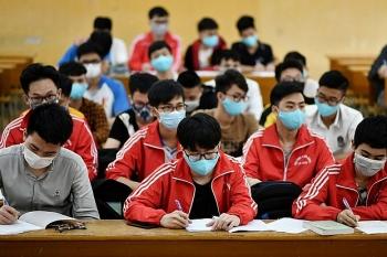 Nhiều trường yêu cầu sinh viên tự cách ly 14 ngày khi về từ Đà Nẵng