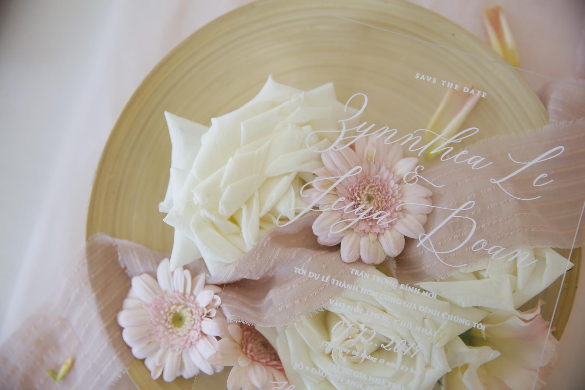 trien lam cuoi almaz mini wedding fair ruc ro mau sac ca nhan trong ngay trong dai