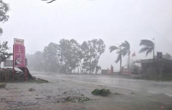 Bão số 2 đổ bộ vùng biển Thái Bình - Nghệ An, Hà Nội mưa dông và lốc sét