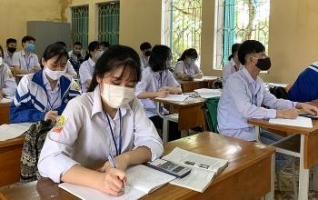 Thi tốt nghiệp THPT 2020: Học sinh Hà Nội phải đeo khẩu trang, mỗi điểm thi bố trí ít nhất 5 nhân viên y tế