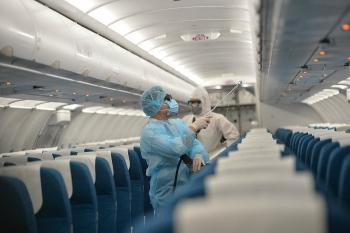Hà Nội khoanh vùng nơi ở của ca nghi nghiễm COVID-19, Bộ Y tế thông báo khẩn về chuyến bay VN7198