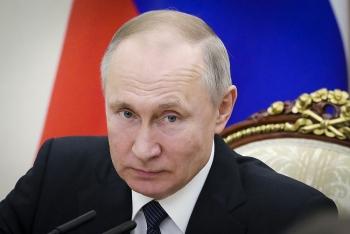 Ông Putin xác nhận đã tiêm vaccine COVID-19 của Nga sản xuất cho con gái