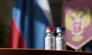 Vaccine ngừa COVID-19 của Nga sẽ xuất xưởng trong 2 tuần tới, ưu tiên nội địa dùng trước