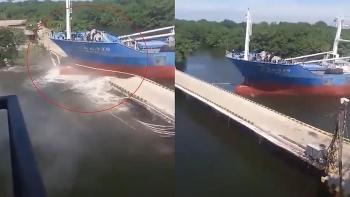 Clip: Khoảnh khắc tàu Trung Quốc đâm gãy cầu ở Ecuador