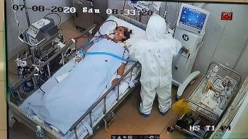 Bệnh nhân COVID-19 tử vong thứ 26 từng 4 lần âm tính với SARS-CoV-2