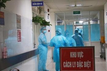 Bộ Y tế: Khoảng 30 nhân viên y tế dương tính với COVID-19
