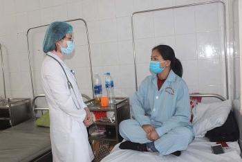 Nhân viên y tế tăng cường chống COVID-19 ở miền Trung được hỗ trợ 1 tháng lương cơ bản