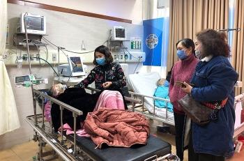 Bộ Y tế: Không cho người nhà chăm bệnh nhân tại các khoa truyền nhiễm để phòng Covid-19