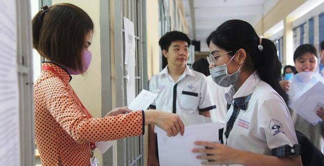 Thi tốt nghiệp THPT 2020: Hà Nội đã chấm xong toàn bộ bài thi tự luận và trắc nghiệm