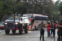 cdv indonesia choang fan malaysia cau thu di bang xe boc thep
