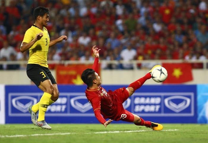 ket qua tran viet nam vs malaysia 1 0 khi nguoi ma lai guc nga