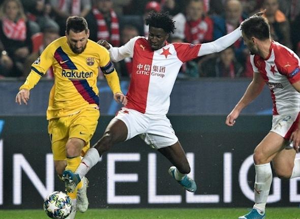 ket qua barcelona vs slavia 0 0 cup c1 khi ga khong lo bat luc