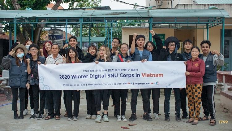 SNUSR và KCCC tặng 10 hệ thống lọc nước cho các trường học tại Bình Định
