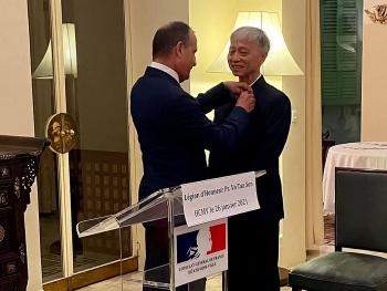 PGS.TS, bác sĩ Võ Tấn Sơn nhận Huân chương Bắc đẩu bội tinh của Pháp