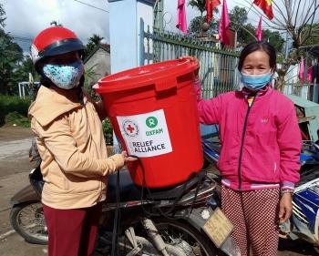 Oxfam tại Việt Nam tiếp tục hỗ trợ người dân Quảng Nam và Hà Tĩnh phục hồi sau bão lũ