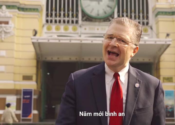 Đại sứ Mỹ chúc tết chúc Tết người dân Việt Nam bằng nhạc rap