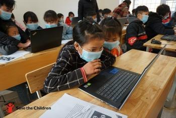 Hơn 200 học sinh và giáo viên Bảo Hà (Lào Cai) được tập huấn công nghệ thông tin nhờ Tổ chức Cứu trợ Trẻ em