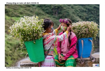 Đồng bào dân tộc Hà Giang vừa phát triển kinh tế bền vững, vừa chống dịch hiệu quả