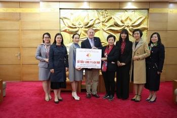 Hội hữu nghị Việt Nam - Canada trao hơn 1 tỷ đồng tiền quyên góp từ Cuộc chạy Vì trẻ em Hà Nội