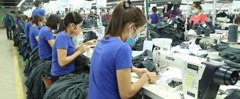 Giải quyết những thách đối với lao động nữ sẽ cải thiện địa vị của người phụ nữ trong xã hội