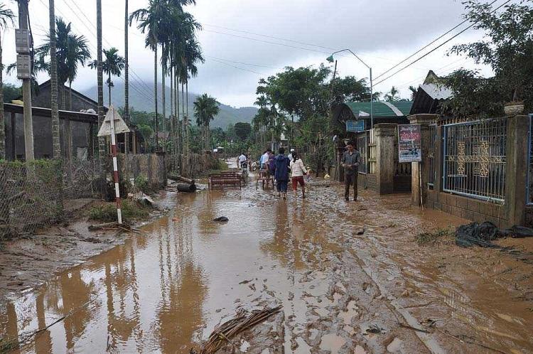 Huyện Nghĩa Hành là một trong những địa phương вị ngập nặng nhất trong cơn lũ lịch sử đêm 15.11