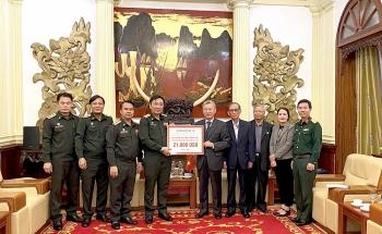 Hội Hữu nghị Việt-Lào ủng hộ nhân dân tỉnh Phongsaly (Lào) 21.000 USD xây trường học