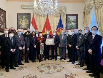 Thúc đẩy quan hệ hữu nghị giữa nhân dân hai nước, Hội Hữu nghị Hungary-Việt Nam nhận bằng khen