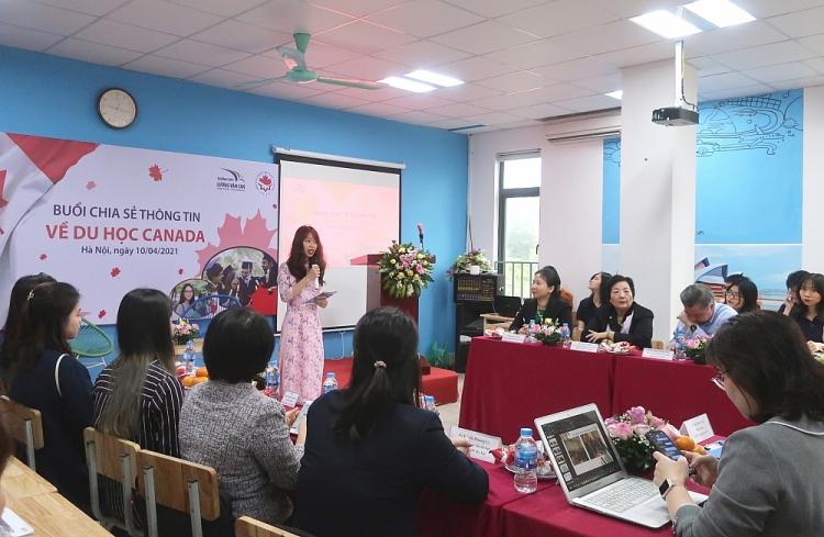 Hội hữu nghị Việt Nam - Canada chia sẻ thông tin hữu ích về du học Canada