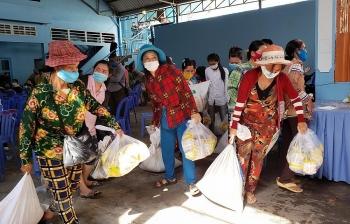Cứu trợ cộng đồng gốc Việt tại Campuchia