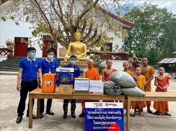 Người Việt tại Lào chung tay cùng nhân dân Lào đẩy lùi và chiến thắng dịch bệnh