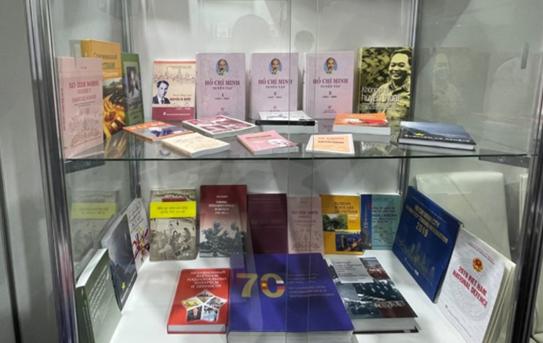 Dịch và giới thiệu sách về Bác nhằm lan tỏa những giá trị, tư tưởng của Chủ tịch Hồ Chí Minh tới độc giả Nga