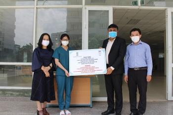 HUFO, Tổng Lãnh sự quán Ấn Độ tại Việt Nam trao hàng viện trợ cho các cơ sở cách li tập trung tại TP.HCM