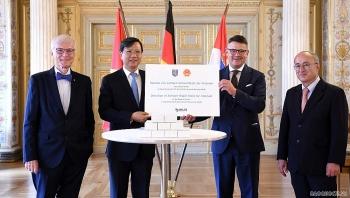 Bang Hessen (Đức) tặng 160.000 bộ kit xét nghiệm nhanh COVID-19 cho Việt Nam