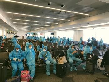 Thêm 1 chuyến bay đưa hơn 340 công dân Việt Nam từ Australia về nước an toàn