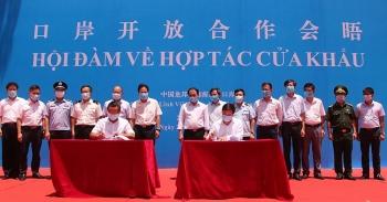 Việt Nam-Trung Quốc hội đàm hợp tác nâng cấp Cửa khẩu Trà Lĩnh-Long Bang