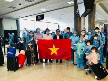 Đưa gần 700 công dân Việt Nam về nước an toàn