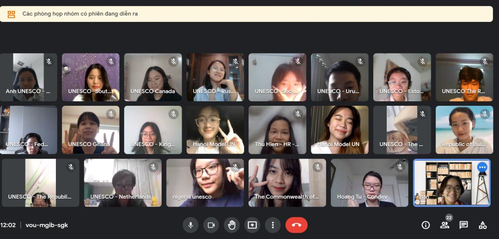 """Học sinh - sinh viên trở thành """"nhà ngoại giao"""" tại Hội nghị Mô phỏng Liên Hợp Quốc Hà Nội - HMUN 2021"""
