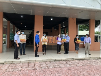 Liên hiệp Hữu nghị Đồng Tháp đồng hành cùng sinh viên Lào, Campuchia vượt qua đại dịch COVID-19