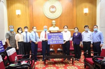 Hội hữu nghị Campuchia - Việt Nam trao 50.000 USD ủng hộ Việt Nam phòng, chống dịch COVID-19