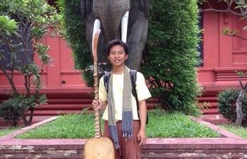 Chàng sinh viên mang tiếng Việt vào Đại học Hoàng gia Phnôm Pênh