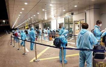 232 công dân Việt Nam từ Uzbekistan về nước an toàn, hạ cánh tại Nội Bài